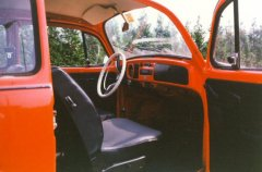 VW Beetle 1972 (interior)