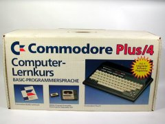 De Commodore Plus/4 in de Duitse BASIC Lernkurs editie.